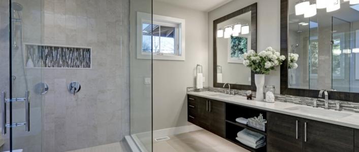 Cómo medir la altura de la mampara de la ducha