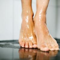 Plato de ducha blando, ¿es bueno para tu cuarto de baño?