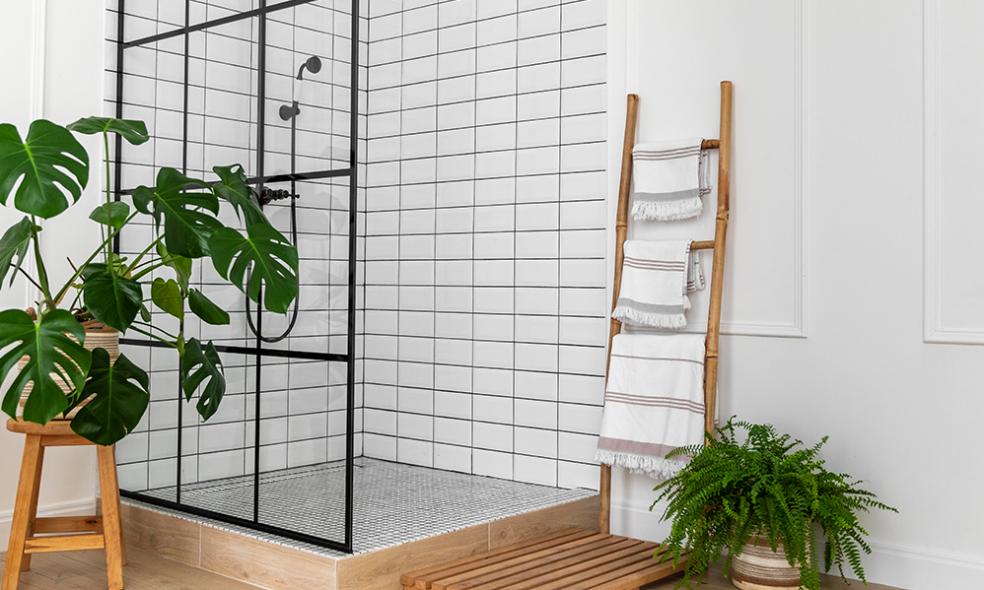 Reforma del baño en verano, ventajas de esta estación